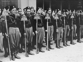 fascisti in Asia