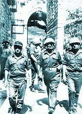 truppe islraeliane entreno vittoriose a Gerusalemme